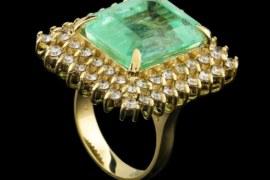 Green Beryl vs. Emerald: Color, Value & Warning